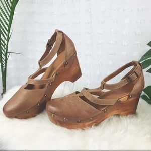 CORDANI Wooden Leather T-Strap Clog Heels